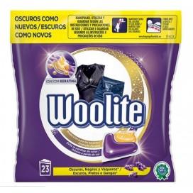 Dark detergent capsules 23 D  Woolite