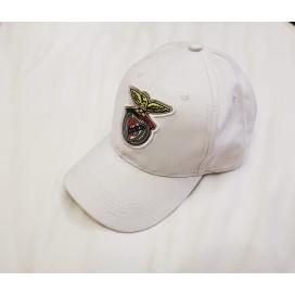 White Cap Logo on Rubber / 白色鸭舌帽 橡胶徽标